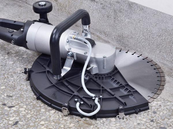 Kopírovací řezání pomocí pily na beton AGP C18